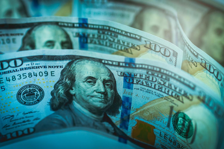 Уровень долларзации экономики должен быть снижен до 20%