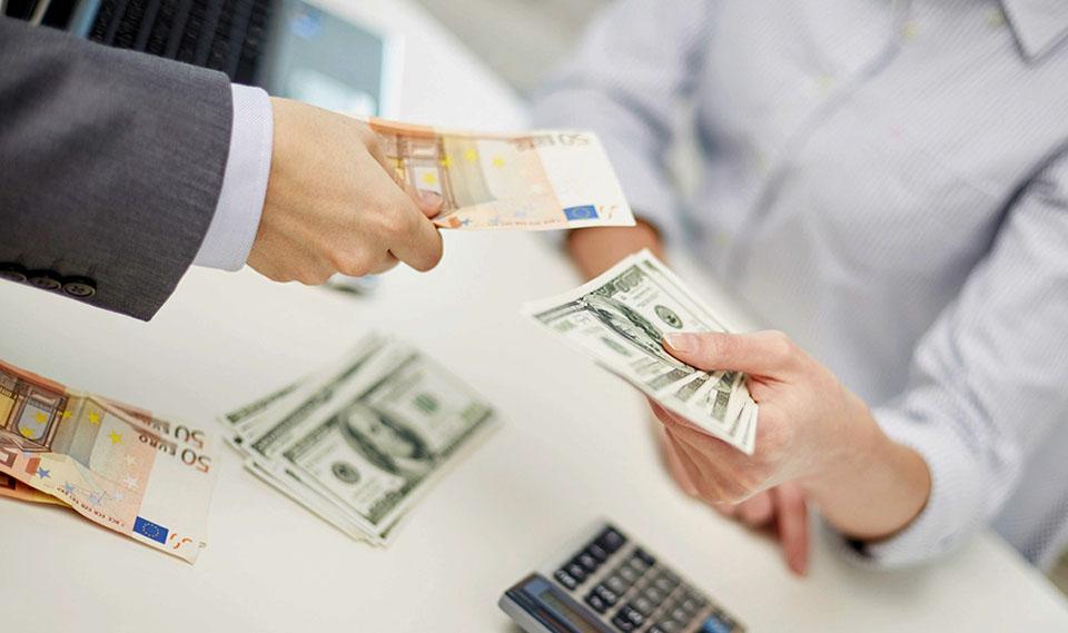 Нацбанк стимулирует импорт, несмотря на отрицательное сальдо торгового баланса