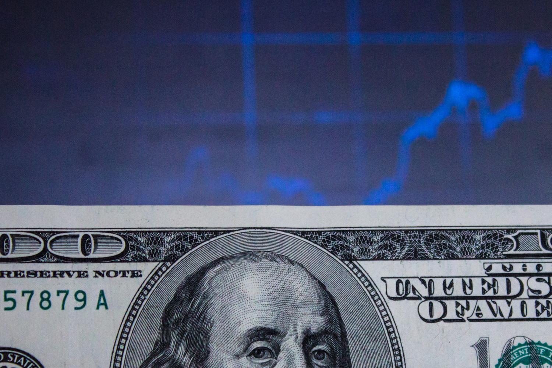 В 2019 году на курс будут влиять выборы и ситуация в мировой экономике