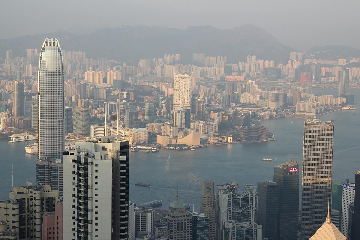 Сегодня же на кону стоит стабильность роста китайской экономики, глобальная роль которой подтверждена уже даже МВФ