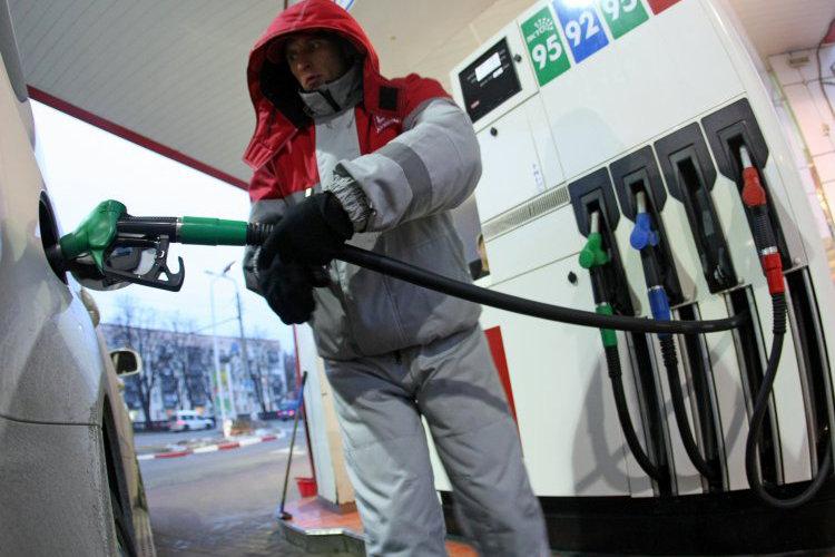 Цены на автомобильное топливо снова пошли в рост