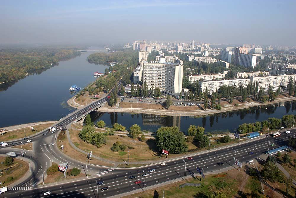Решить проблемы с инфраструктурой пригородов может выход на рынок крупных проектов
